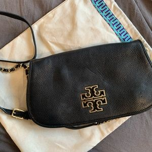 Tory Burch Britten Crossbody/Convertible Clutch 🖤